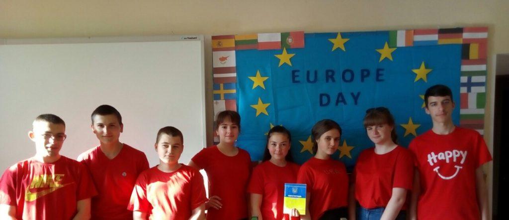 Новоградські студенти-медики провели QR-квест з англійської мови до Дня Європи, фото-2