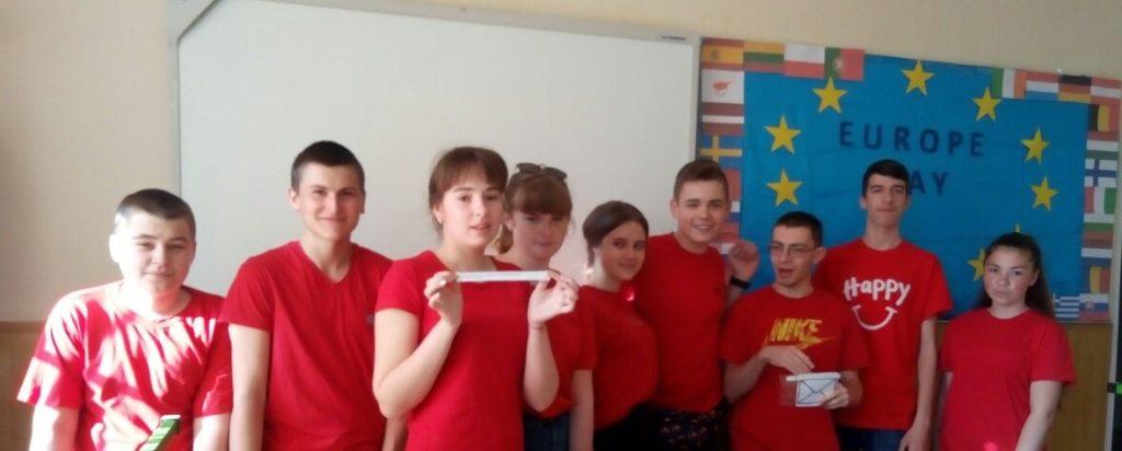 Новоградські студенти-медики провели QR-квест з англійської мови до Дня Європи, фото-3