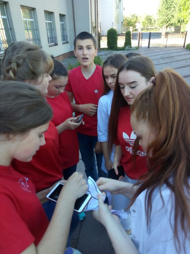 Новоградські студенти-медики провели QR-квест з англійської мови до Дня Європи, фото-14
